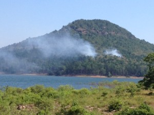 LIGHTNING STRIKE STARTS FIRE ON SUGAR LOAF MOUNTAIN